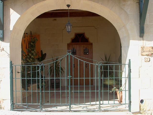 Barumbara Farmhouse with pool - Sannat Gozo - Otros