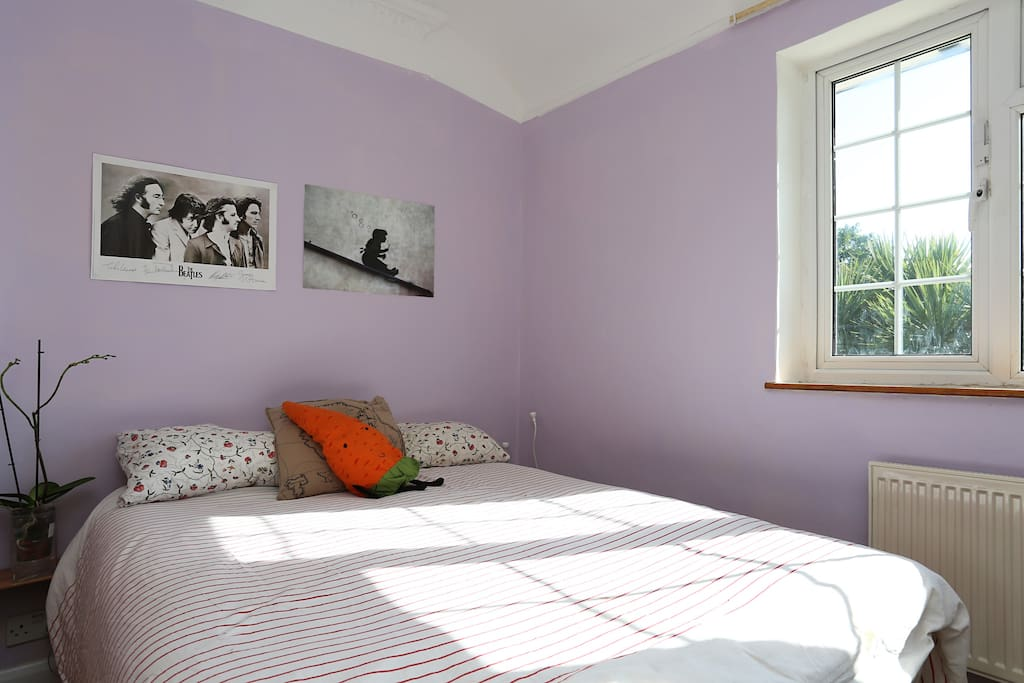 Your peaceful and bright double room overlooking the garden