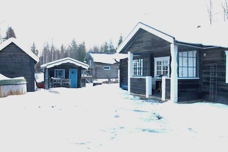 Timmerstuga med vedbastu i Järvsö