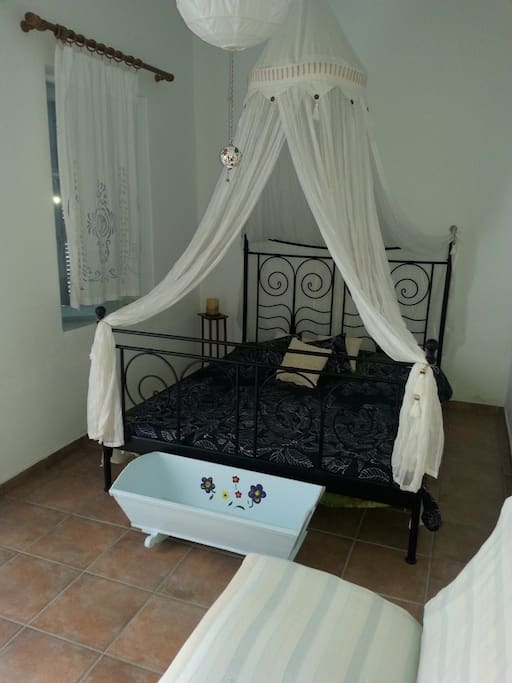 First bedroom for two persons. The princess room!