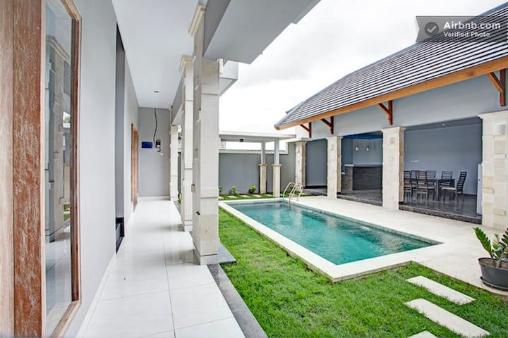 Modern 4br Villa  with private pool - Kuta - Ev