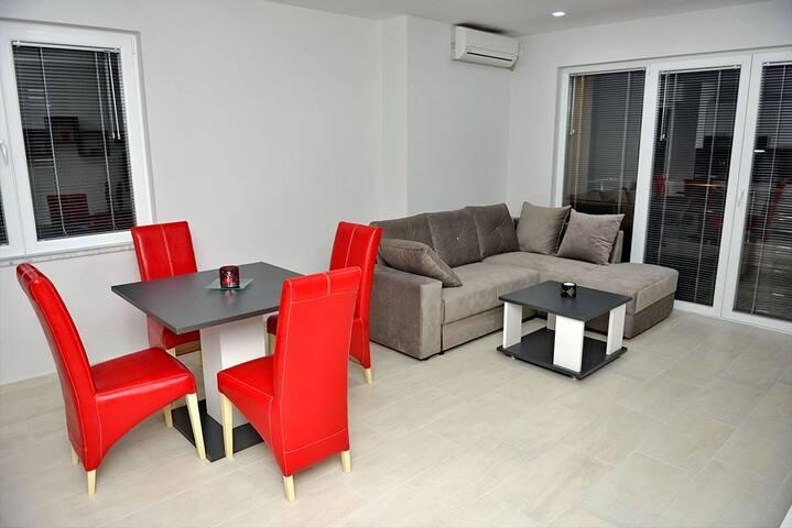 Velestovo House -Deluxe Two-Bedroom - Ohrid - Hus