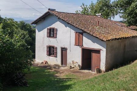 Maison au coeur du Pays Basque - Luxe-Sumberraute