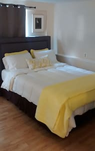 Beautiful Carriage House - Jacksonville - Apartment