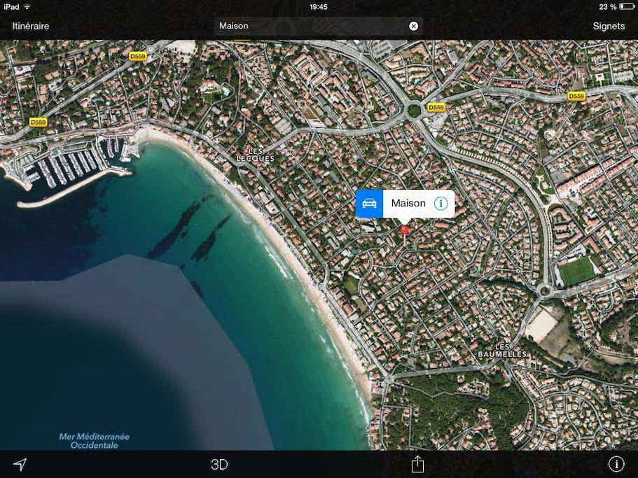 L'emplacement de la maison, à 200m de la plage à travers le lotissement fermé