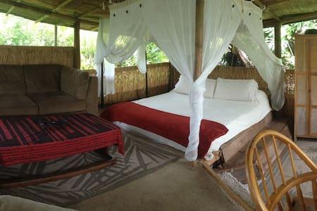 Bamboo Bungalow Romance - Pāhoa - Cabin