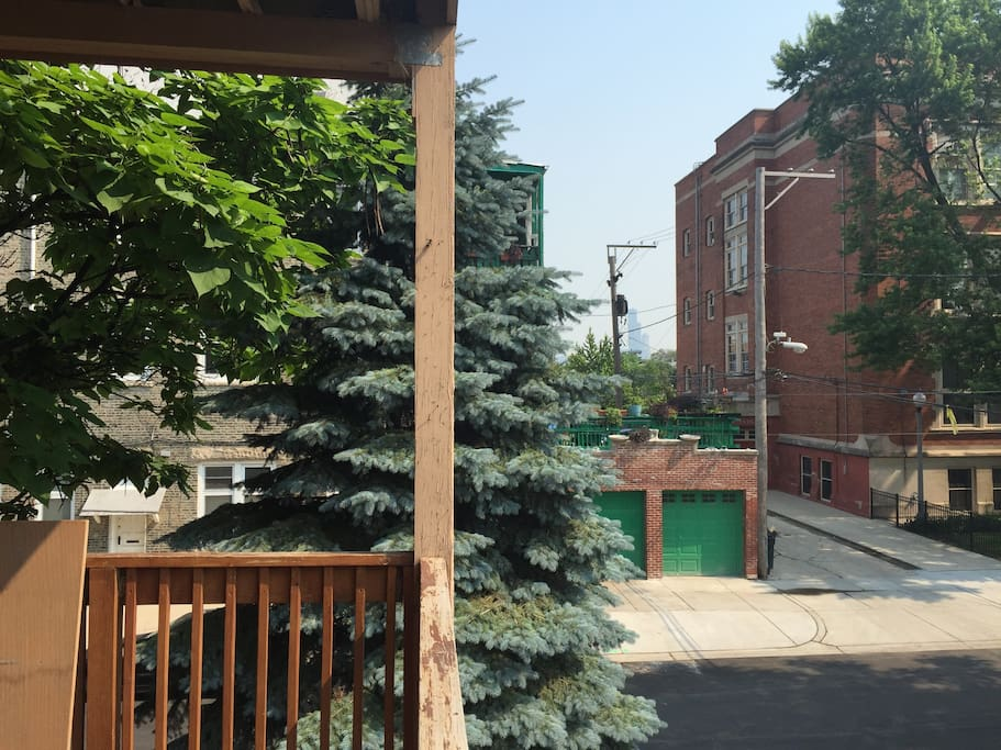 My deck, and its quaint view of the sears tower. Yeah is a blip in the middle next to the pole. If you can't see it, you won't see much from there either.