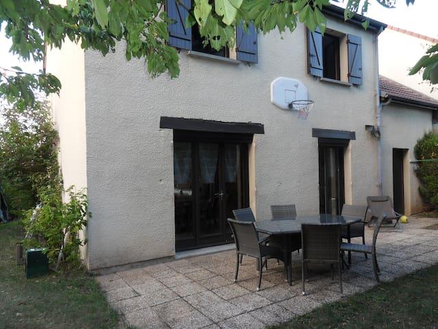 Maison BOURGES 4 chambres pour 9 personnes ou plus - Bourges - Rumah