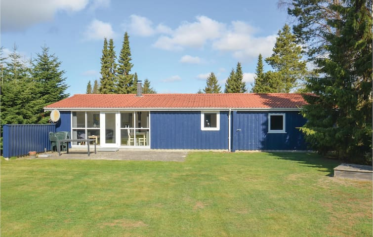 Holiday cottage with 3 bedrooms on 62m² in Væggerløse