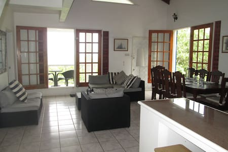 Sun& Breeze  - St Lucia - Gros Islet - Villa