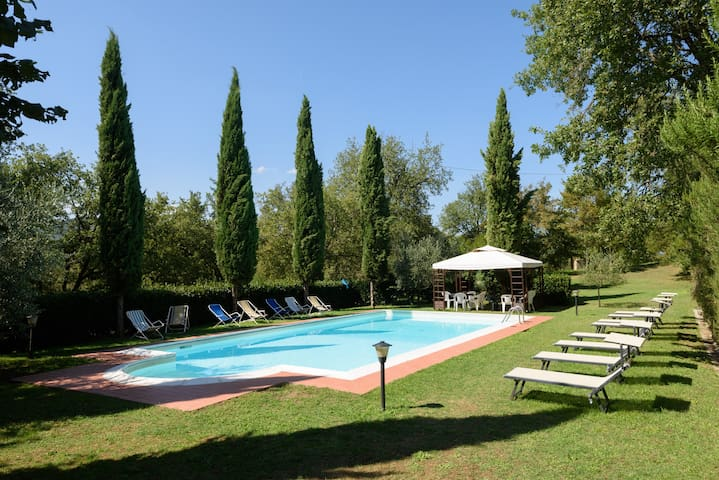 Villa Daina - casale toscano pet-friendly con orto - Bucine - Villa