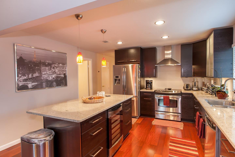 Full access to kitchen - common area