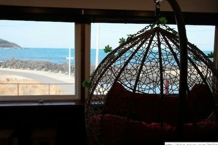 Hamdeokbeach man dorm for 4 persons - 제주시 - Bed & Breakfast