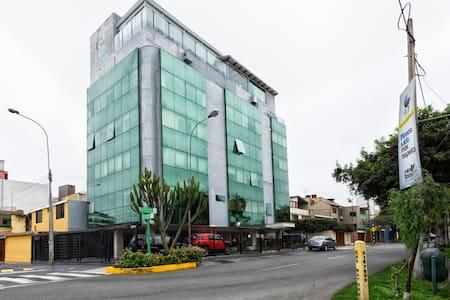 Luxury suites #  5/4/304, EQUIPADA - Miraflores