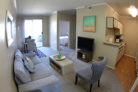 Great apartment off Ventura Blvd.