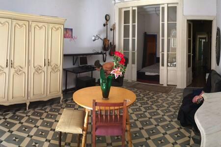 Spacious classic room in Gotico