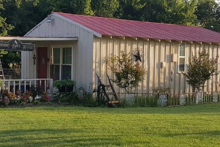 Lonesome Dove Cabin - Cooper - Bed & Breakfast
