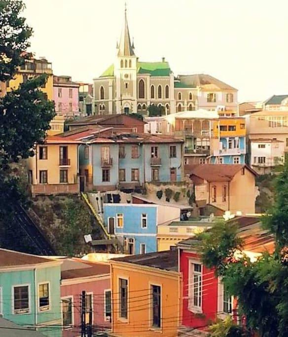 La mejor vista de Valparaíso desde mi ventana, ¡Para los amantes de los colores!
