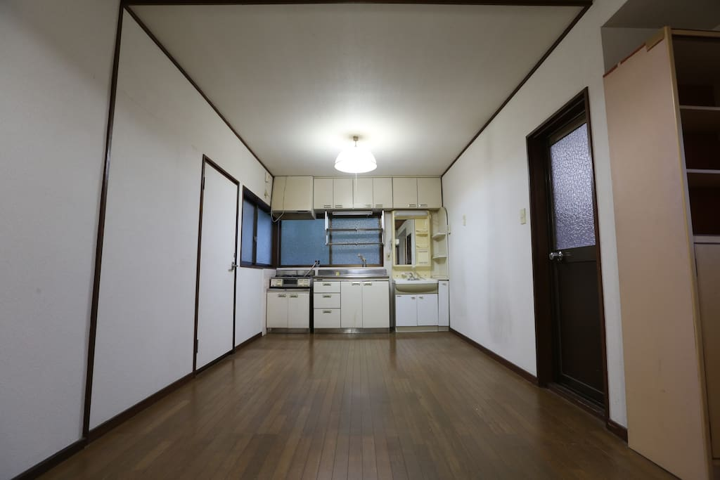 Living with Kitchen (2nd floor)