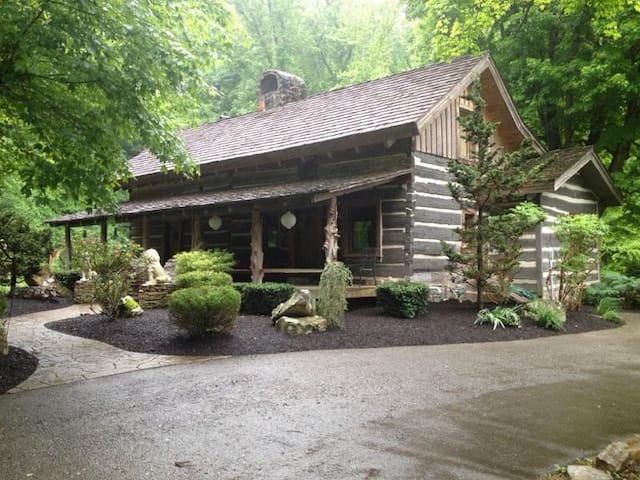 Authentic Cabin, Horse Farm Venue - Knoxville - Hytte