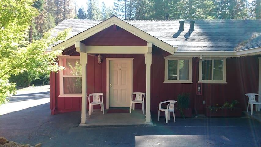 Studio Resort Cabin - Long Barn