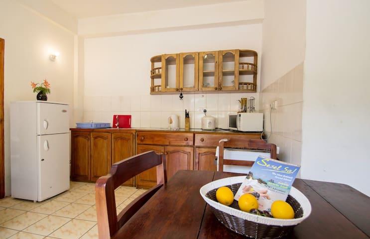 1-bedroom apartment at Beau Vallon2 - Victoria - Lejlighed
