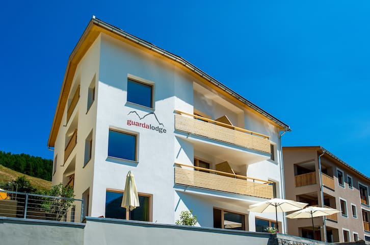 B&B Guarda Lodge - Scuol - Aamiaismajoitus