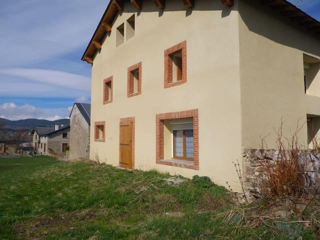 maison de montagne, location saison - Saint-Pierre-dels-Forçats - Talo