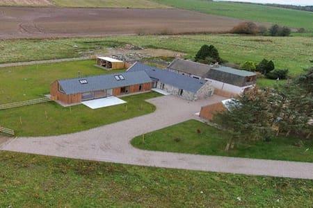 Architect Designed Barn Conversion - Dunecht - Hus
