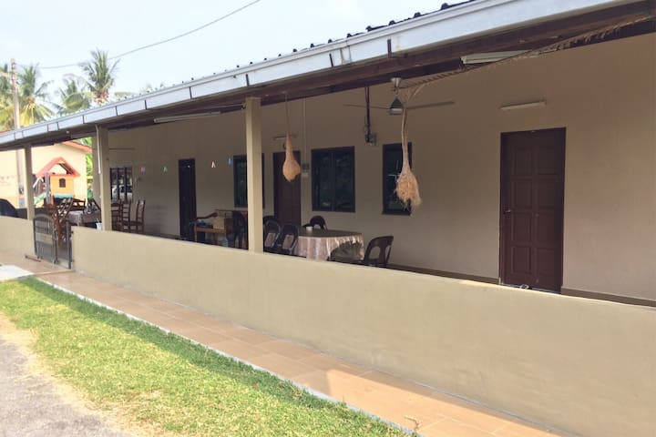 Almosta Ranch Homestay Port Dickson - Si Rusa - Dom