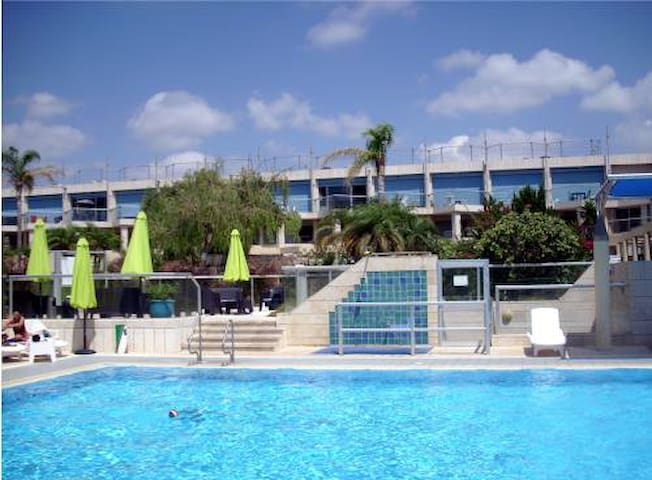 Great Time garden apartment  - Herzliya - Flat