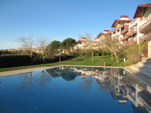 Cozy suite - Golf near Lisbon - Belas Clube de Campo - Penzion (B&B)