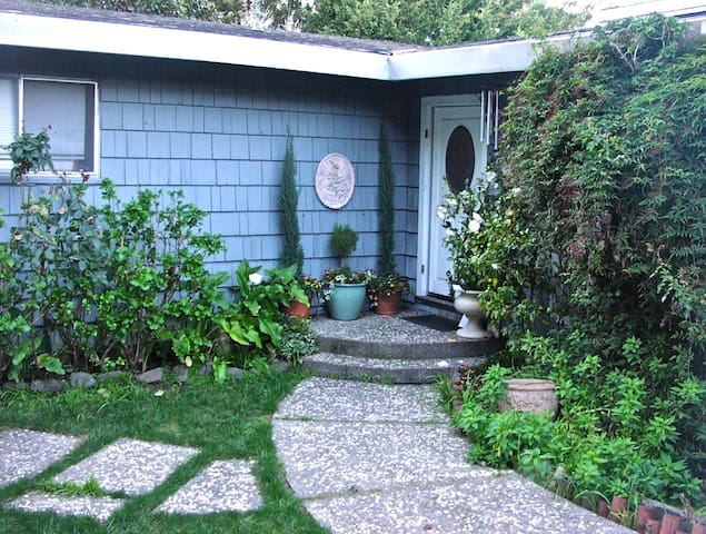 Special Winter/Spring Rates!! Mill Valley Home - Mill Valley