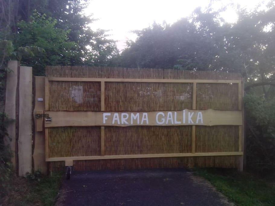 Entry gate Farma Galika