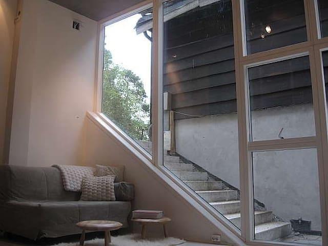 Modern studio apartment near Oslo
