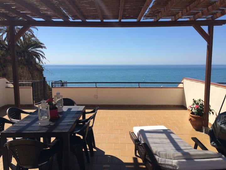Apartamento, bonitas vistas al mar