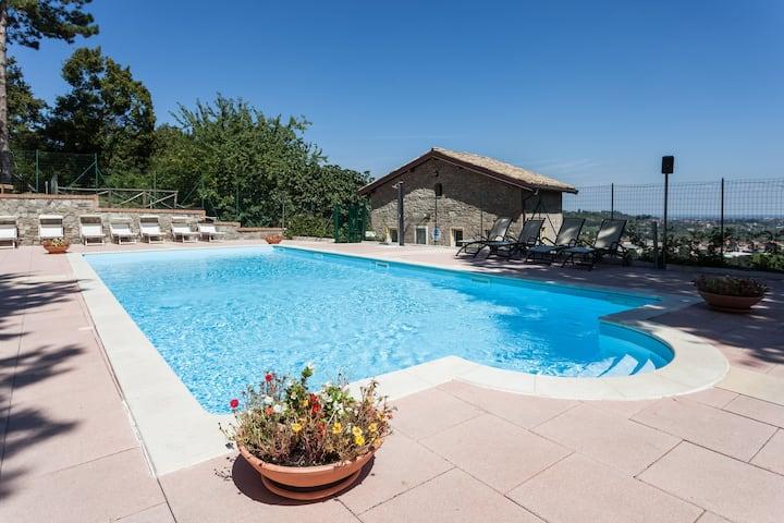 Appartamento con uso piscina tra Modena e Bologna