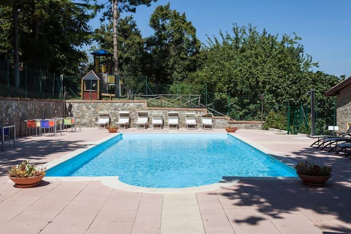 Relais e piscina ad uso esclusivo vicino a Bologna