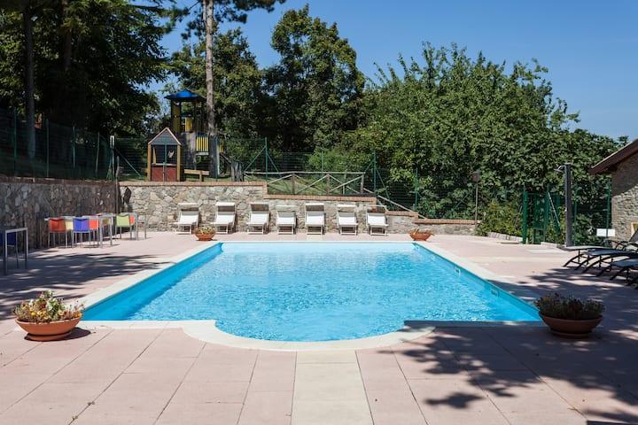 Relais con uso piscina  vicino a Bologna