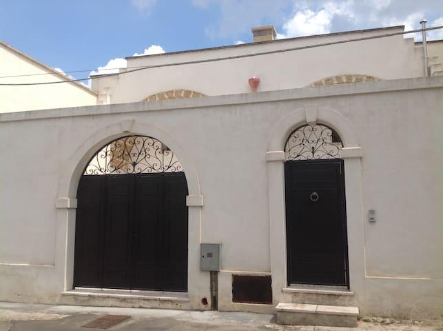 Casa con piano terra e 1 piano houses for rent in - Piano casa puglia ...