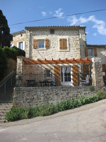 Holiday home in French hamlet - Greffeil - Talo
