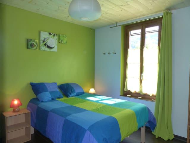 Chambre dans le Grésivaudan - Villard-Bonnot - บ้าน