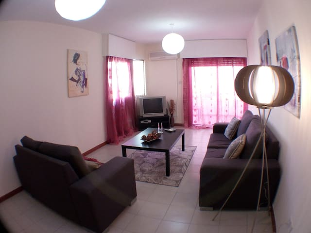 Spacious Two bedroom apartment near the Beach