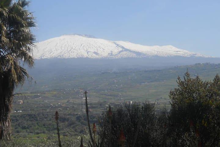 Una vista privilegiata dell' Etna - Centuripe - Дом