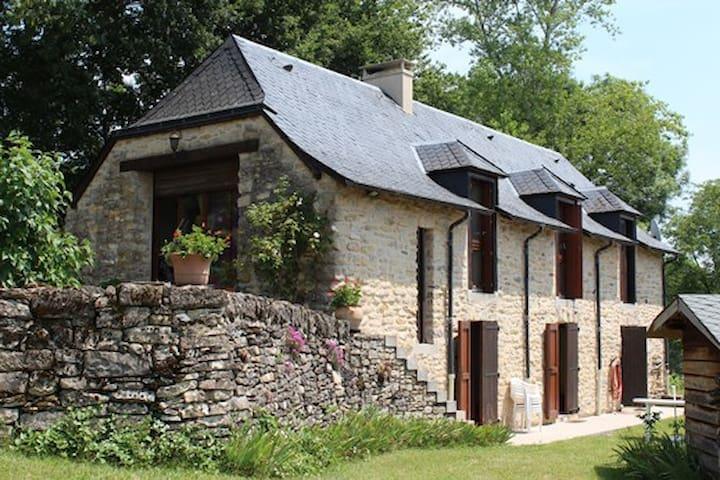 Grange restaurée - Castelnau-de-Mandailles - Casa