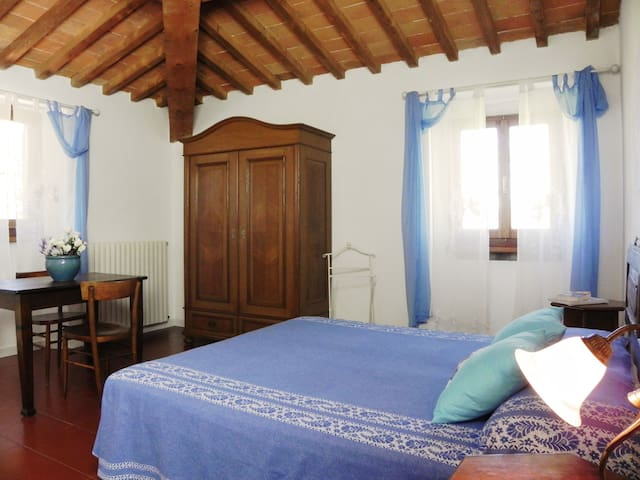An old farm with pool,  relax in Casentino Tuscany