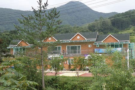 LODGE DEL REY w/Mountain & River 00 - Muju-gun
