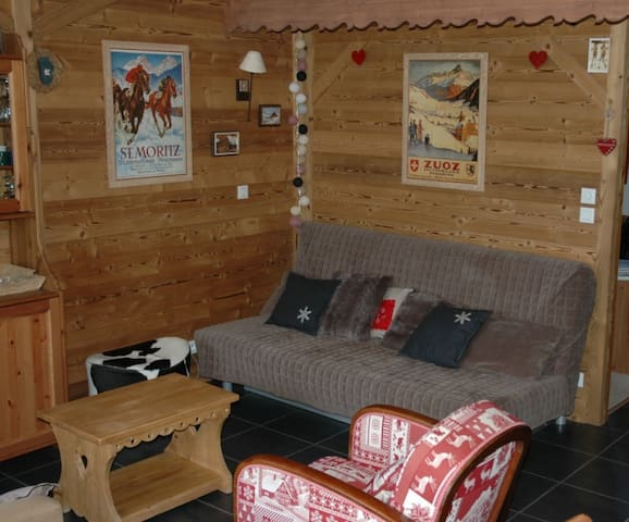 Superbe duplex peisey vallandry flats for rent in landry for Garage du landry
