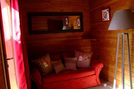 chambre d hôtes les barabans - House