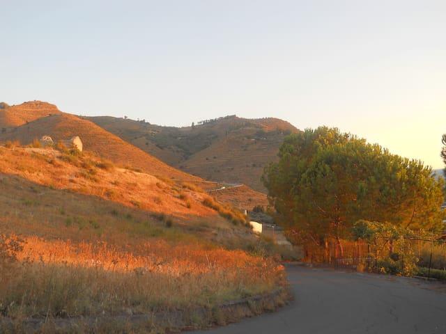 Una vista privilegiata dell' Etna - Centuripe - Casa